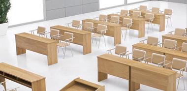 从学生课桌椅的变化看教学设备的发展历程