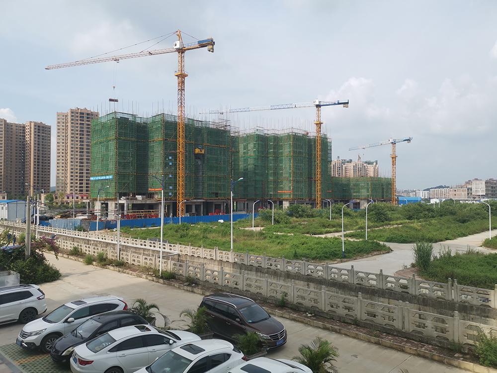 廣西南君建設有限公司施工項目——靈山縣華興·城市春天二期住宅小區