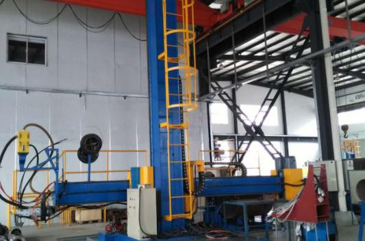 焊接操作機