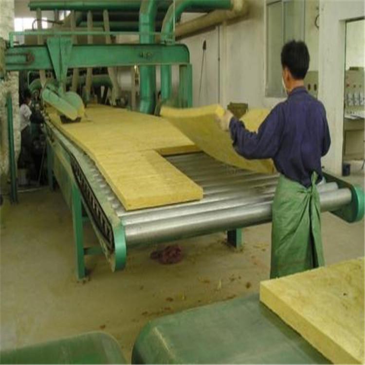 巖棉板是什么材料做成的
