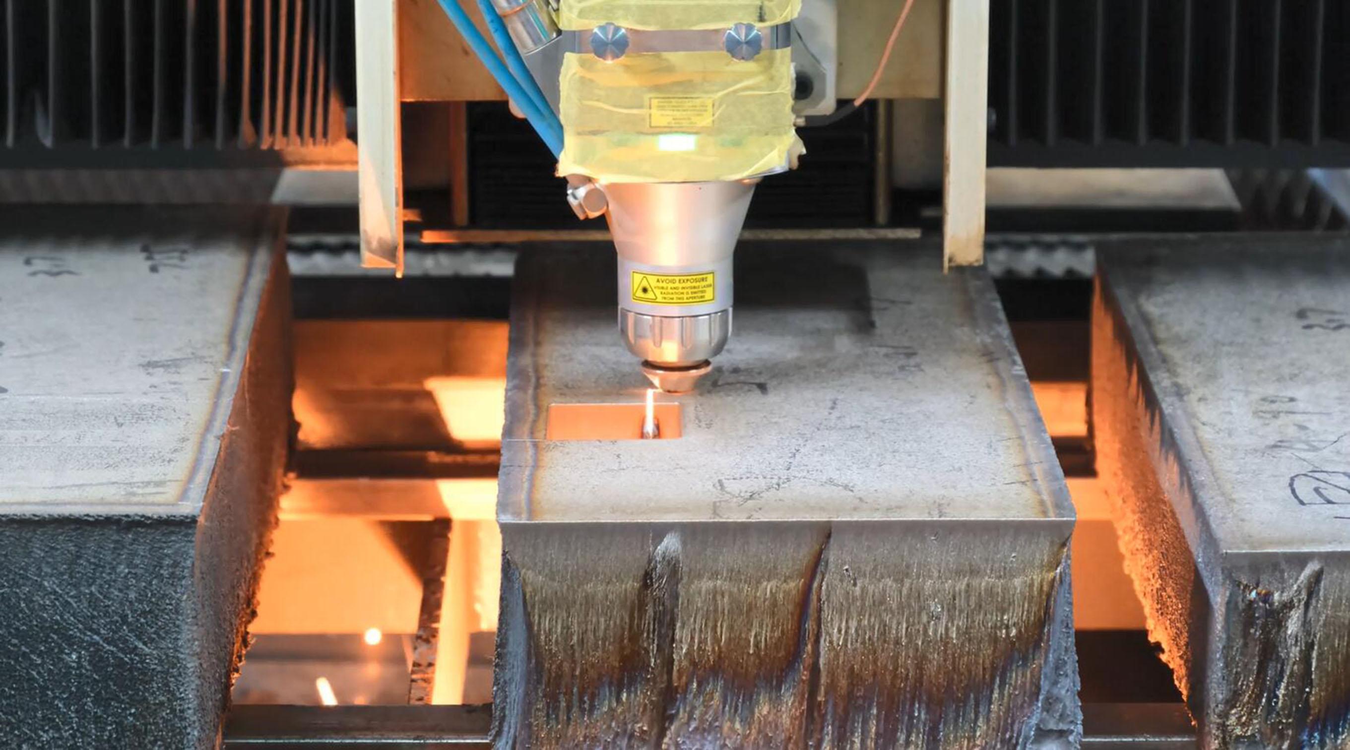 光纖激光切割機自動對焦與手動對焦哪個更好?